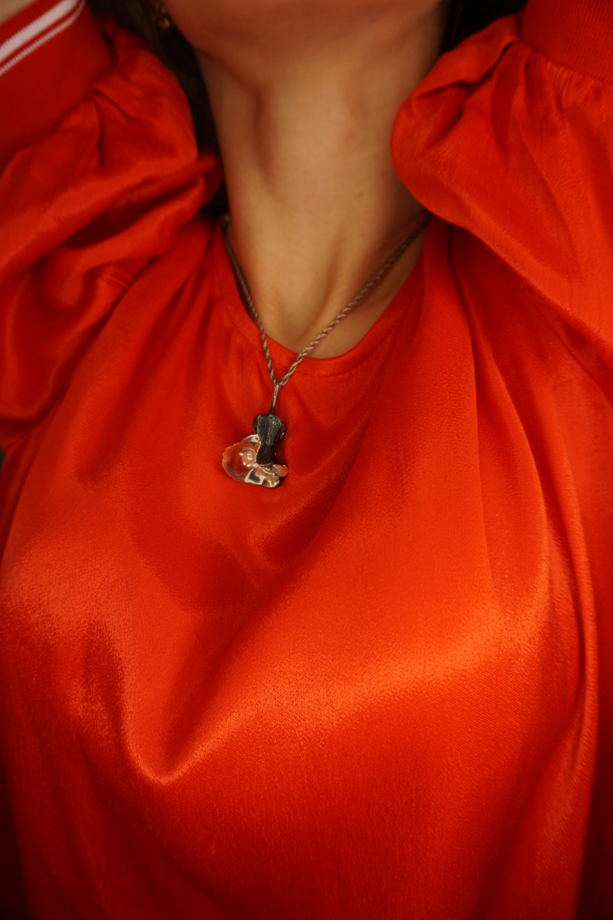 Серебряный кулон в форме бутона с натуральным речным жемчугом