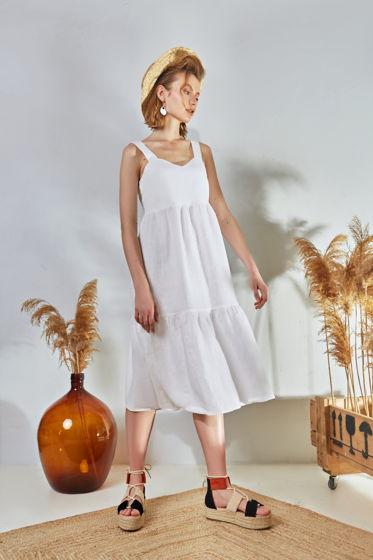 Cарафан с открытой спиной в белом цвете