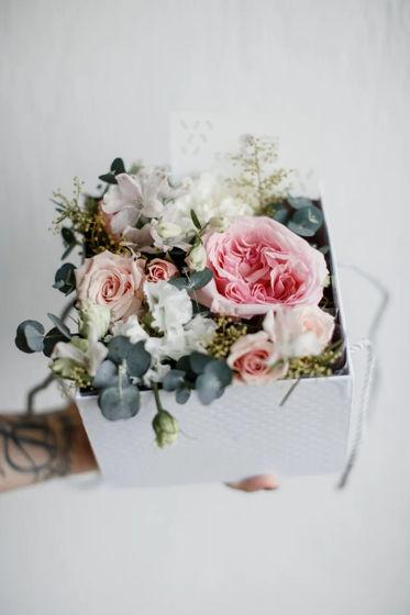 Коробочка для сертификата с живыми цветами малая