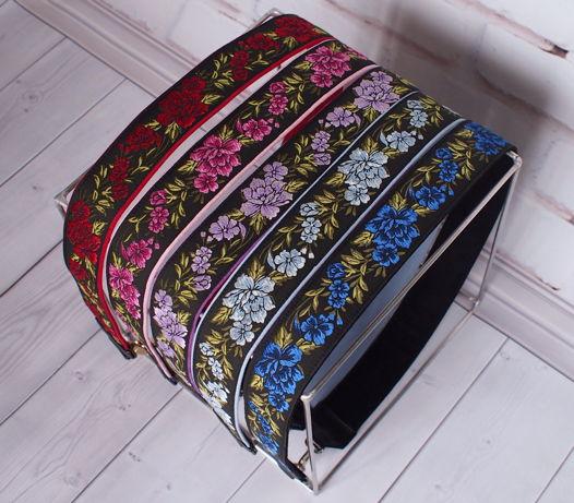 Ремень для сумки «с цветами» на чёрном фоне
