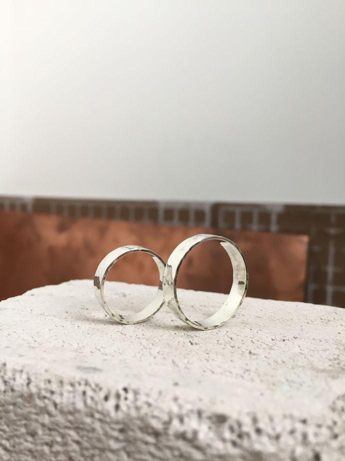 Кольцо из серебра с фактурой, обручальные кольца из серебра