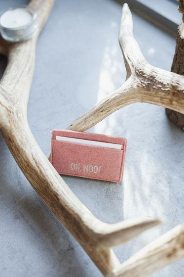 Картхолдер из фетра дымчато-розового цвета