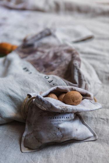 Льняной мешочек для хранения с экопринтом из листьев FORRESTLAB