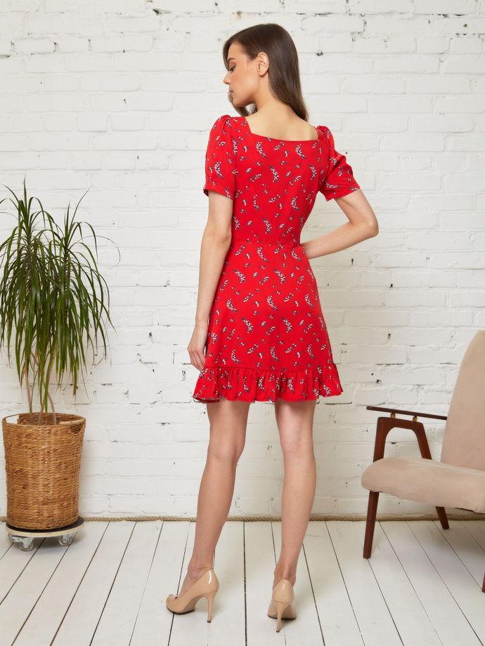 Платье красное с цветочным принтом