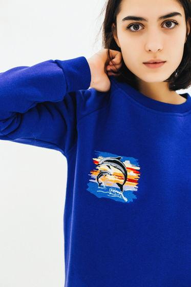 """Свитшот с вышивкой """"Дельфины"""" утепленный синий"""