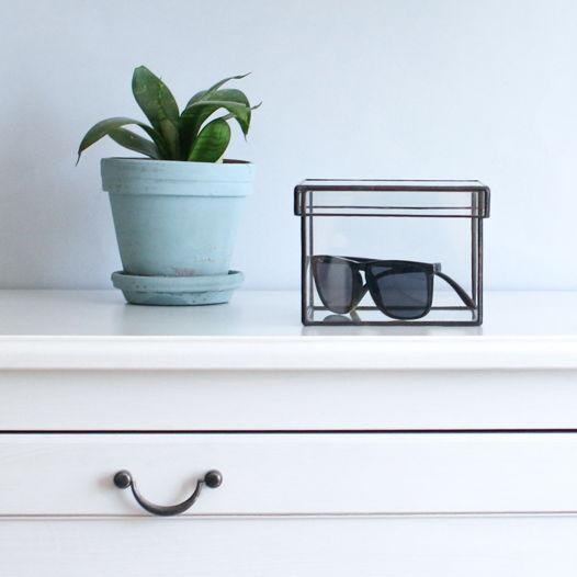 Стеклянная коробка для  эстетичного хранения аксессуаров