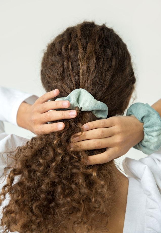 Резинка для волос тай-дай из крапивы
