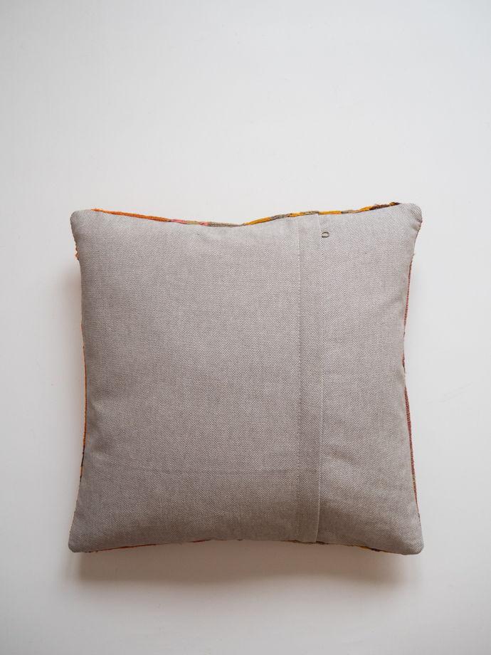 Подушка из ковра килим Loreto