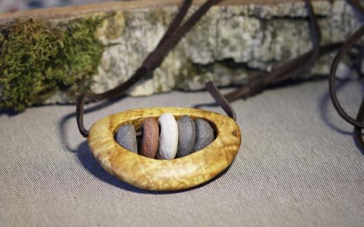 """Деревянный кулон с керамикой """"Лесные Камушки"""""""