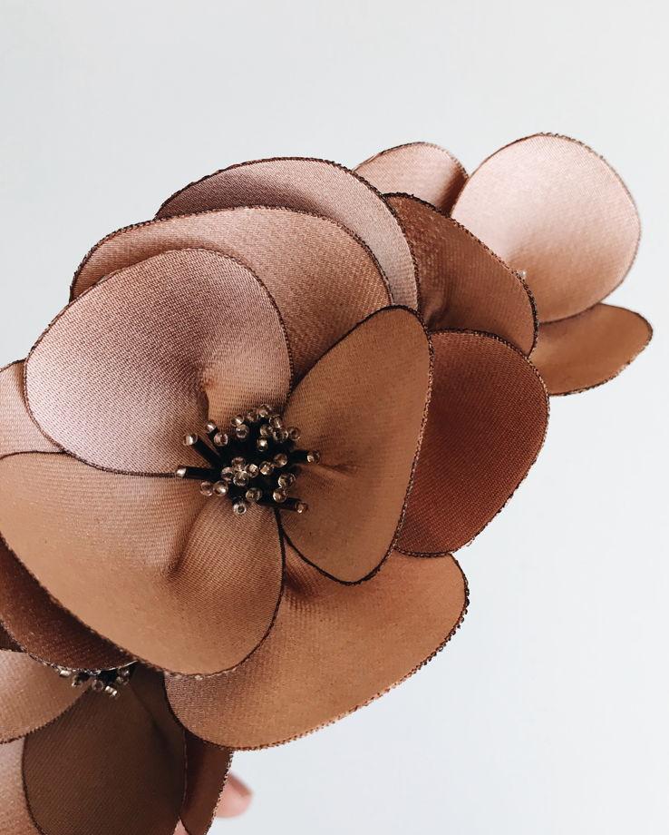 Ободок кораллового цвета