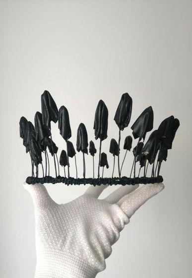 Чёрная корона из грибов из натуральной кожи