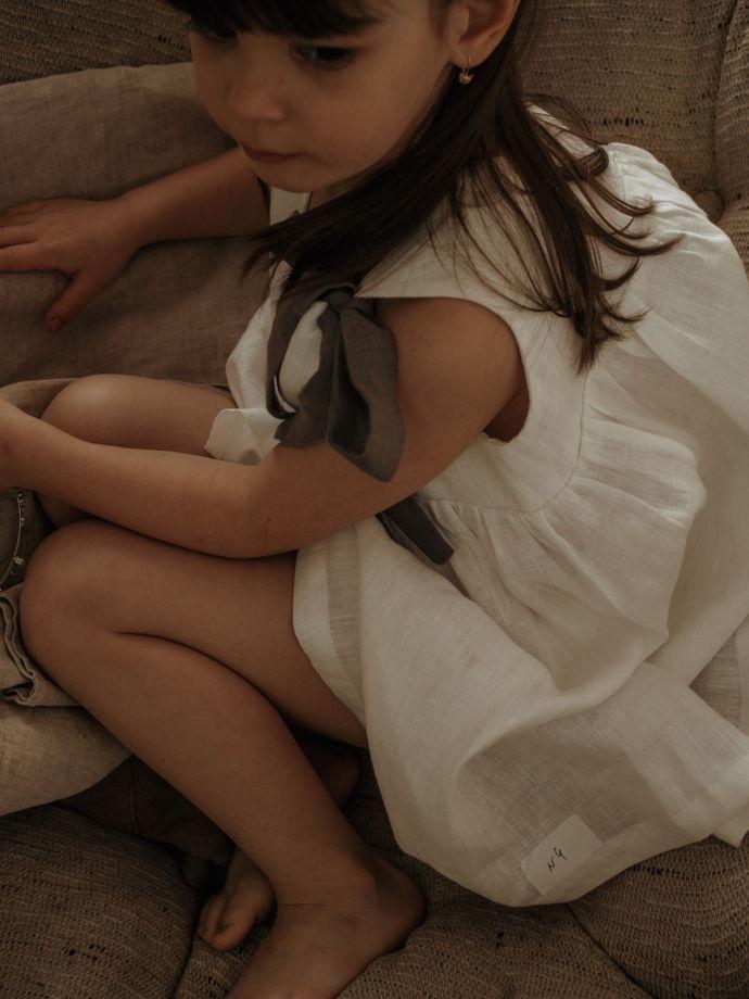 Сарафан льняной детский на контрастных лямках из 100% льна