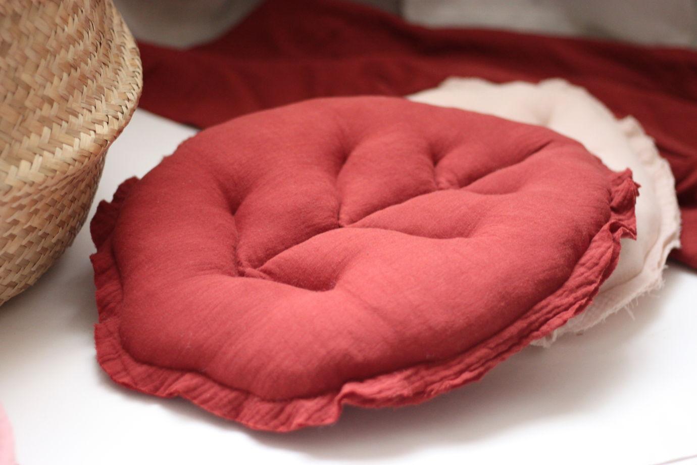 """Подушка из муслина """"Лист""""(красная фасоль)"""