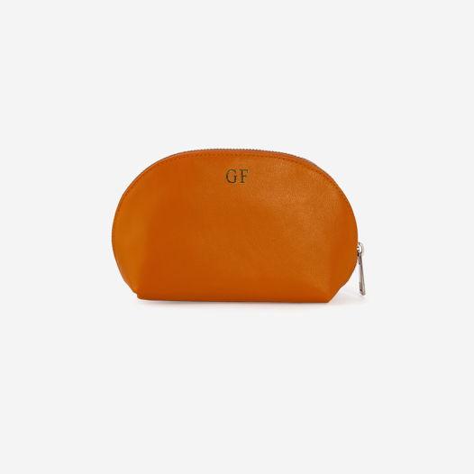 Косметичка оранжевого цвета с персонализацией