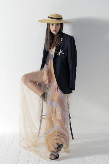Прозрачное платье цвета винтажной розы