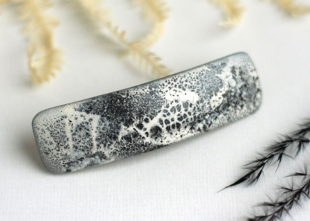 Черно-белая женская заколка для волос с абстрактной росписью