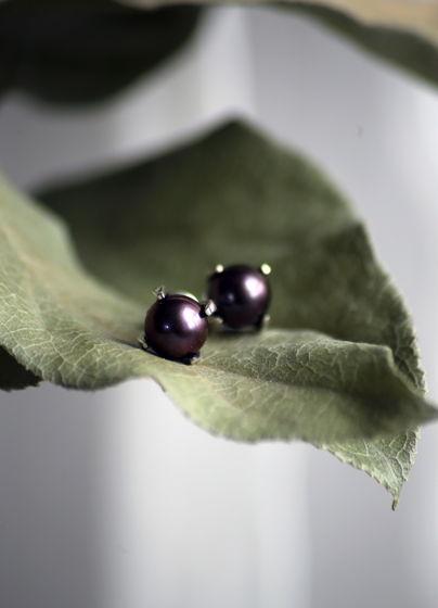 Пусеты с черным жемчугом