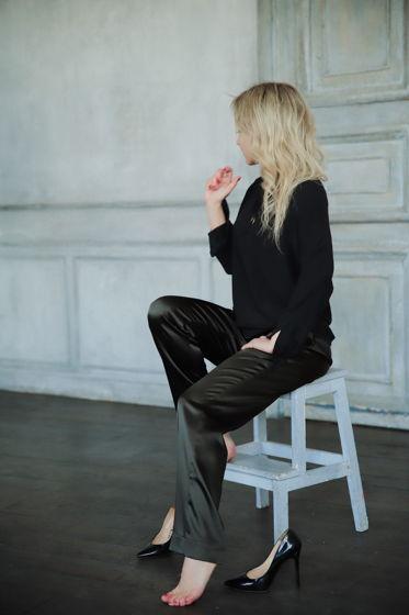 Прямые брюки из атласа