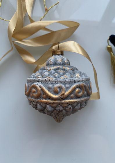 Елочный шар в винтажном стиле стеклянный