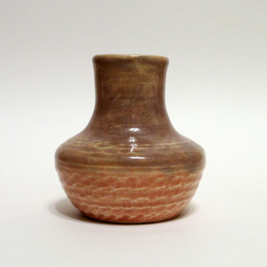 Керамическая вазочка для цветов или сухоцветов розовая