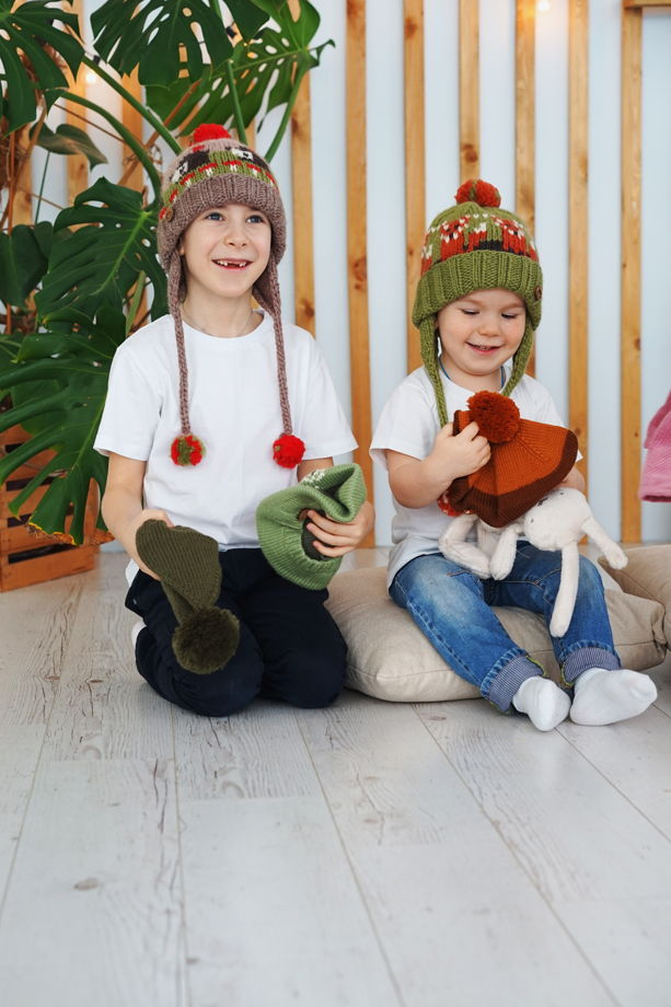 """Зеленая детская зимняя шапка """"Лисичка"""" из 100%ной мягкой шерсти"""