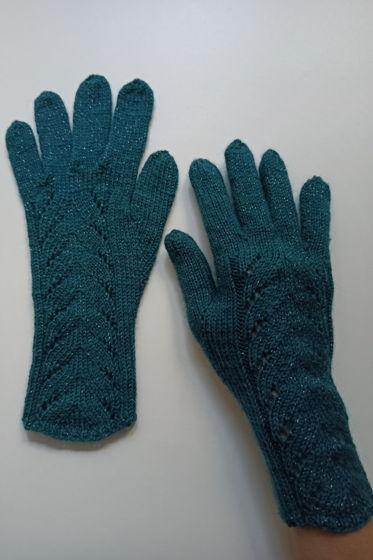 Изумрудные перчатки ручной работы