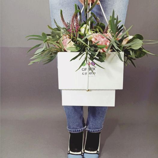 "Giftbox ""Клумба"" №12. Подарочная коробка и цветы"