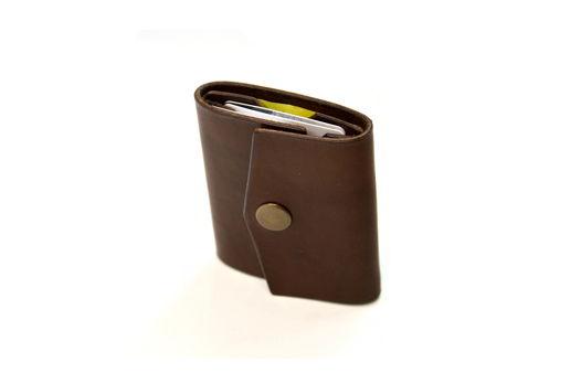 Мини кошелёк-кардхолдер с кнопкой.
