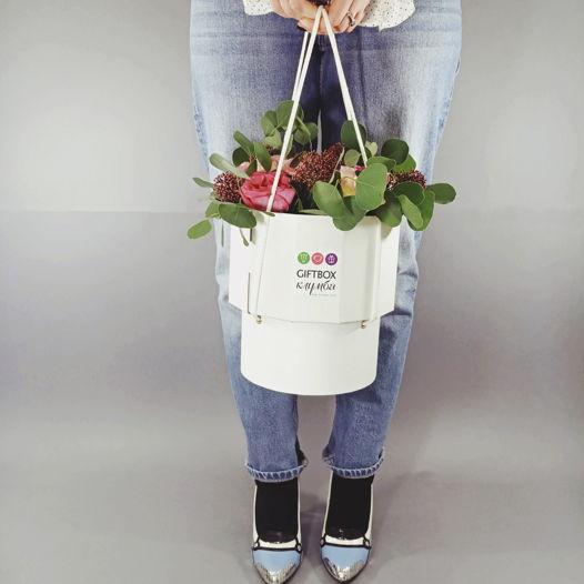 "Giftbox ""Клумба"" №11. Подарочная коробка и цветы"