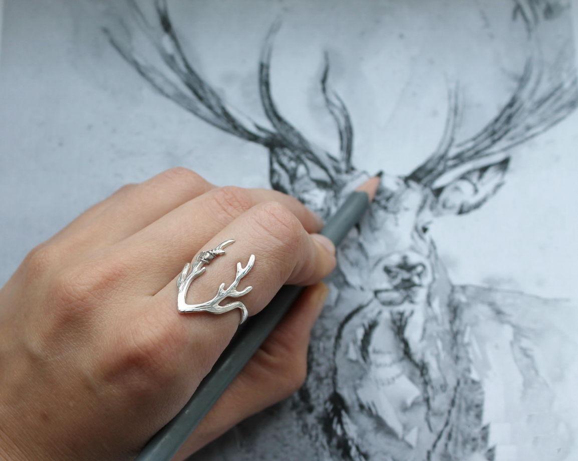 Кольцо серебряное Олень