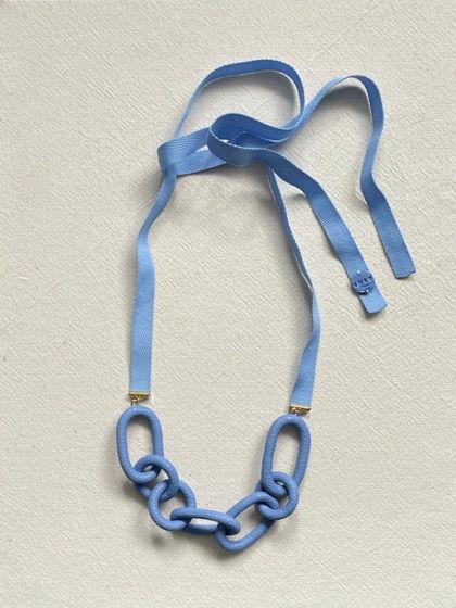 Колье-цепь голубого цвета