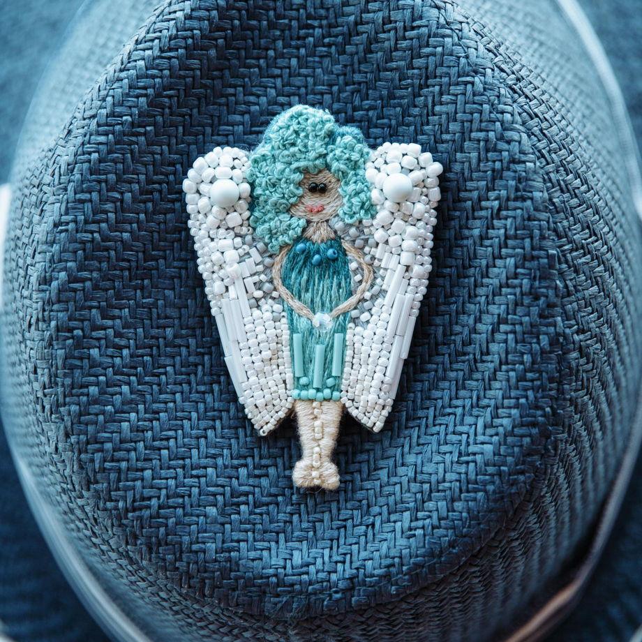 Брошь из бисера «Ангел»