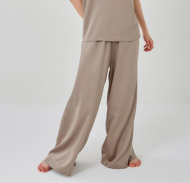 Широкие брюки из тенселя на резинке кофейные