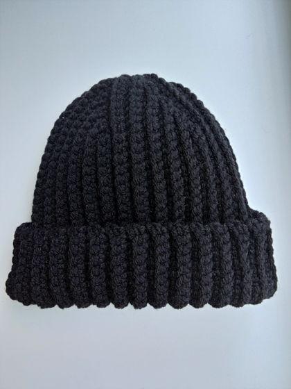 Зимняя шапка бини черного цвета