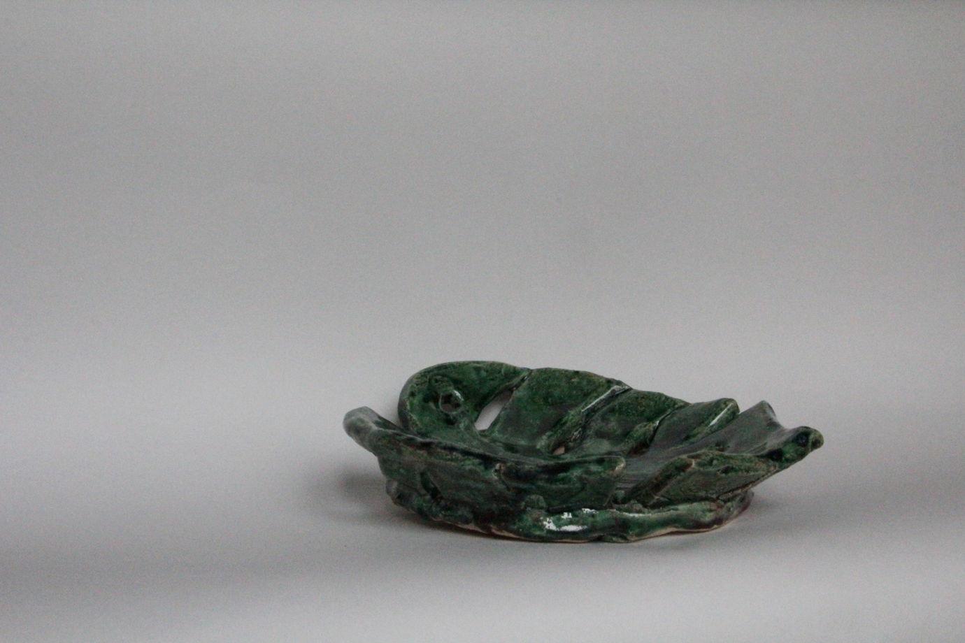 Керамический зеленый лист монстеры ручной работы