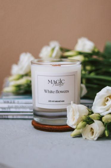"""Ароматическая кокосовая свеча """"White flowers"""" с древесным фитилем ручной работы"""