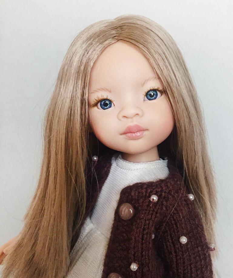 Виниловая кукла Маника