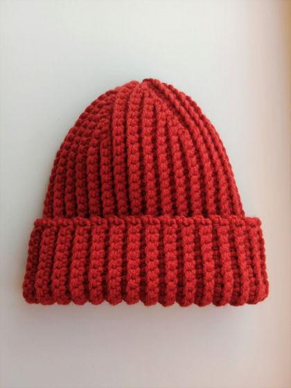 Зимняя шапка бини терракотового цвета