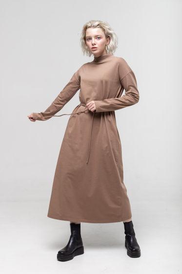 Платье с длинным рукавом светло-коричневого цвета