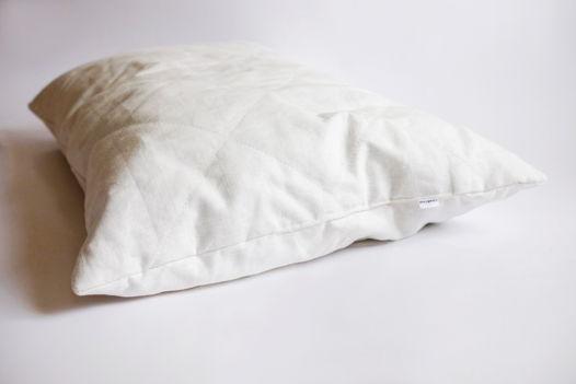 Подушка изо льна ручной работы