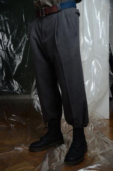 Графитовые брюки со складками