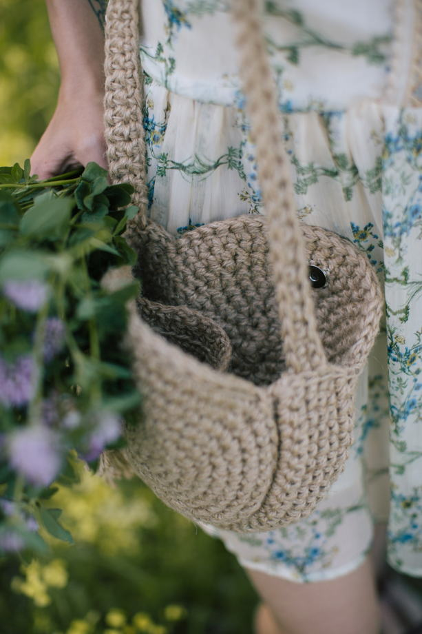 Круглая сумочка из джута.