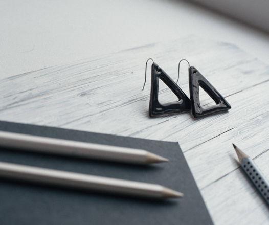 Керамические серьги Треугольники