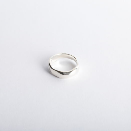 массивное кольцо Reunion III неправильной формы