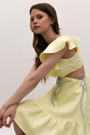 Льняное платье миди на завязках с вырезами.