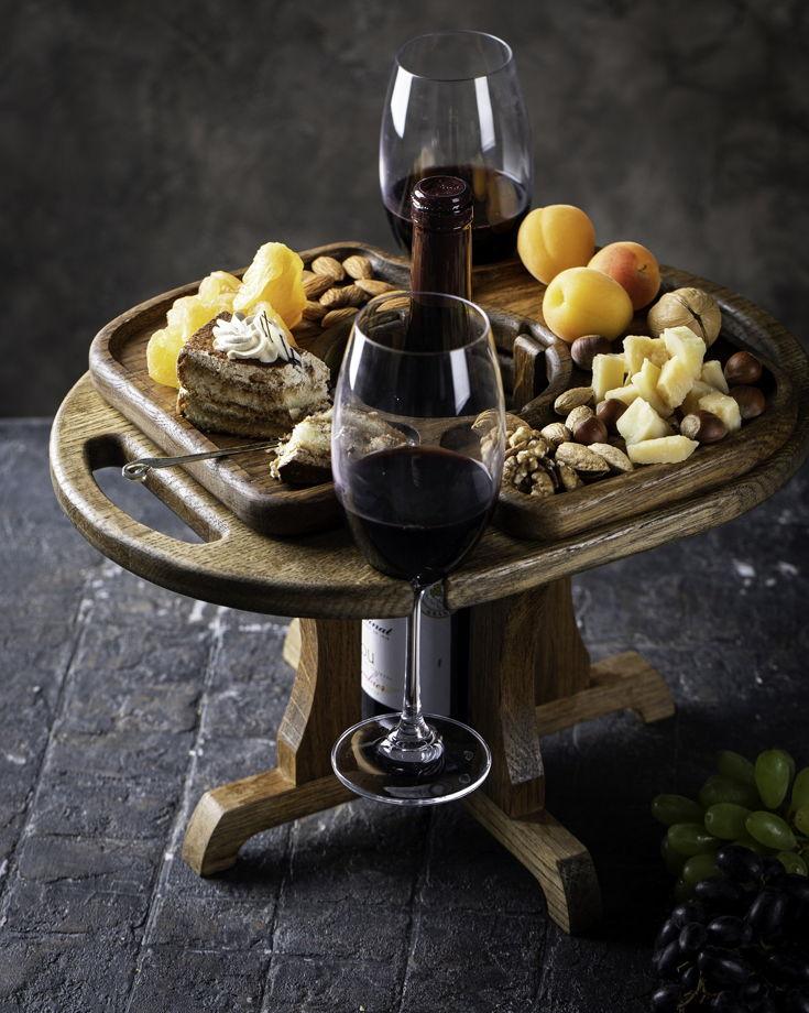 """Винный столик на два бокала, местом для бутылки и менажницей. Цвет """"темный орех"""""""