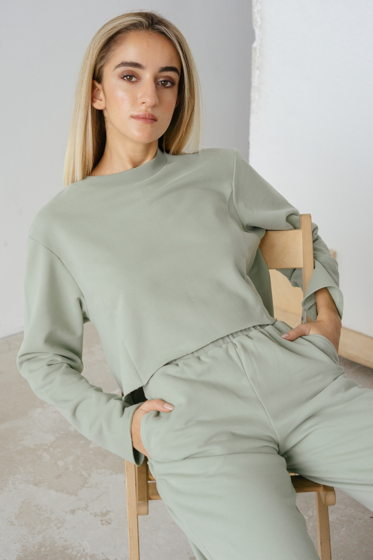 Оливковый костюм с велюровым эффектом из 100% мягкого хлопка