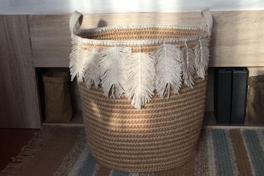 Интерьерная корзина из джута в стиле бохо
