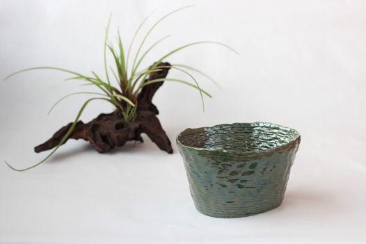 Ваза керамическая интерьерная ручной работы, глянцево-зеленое