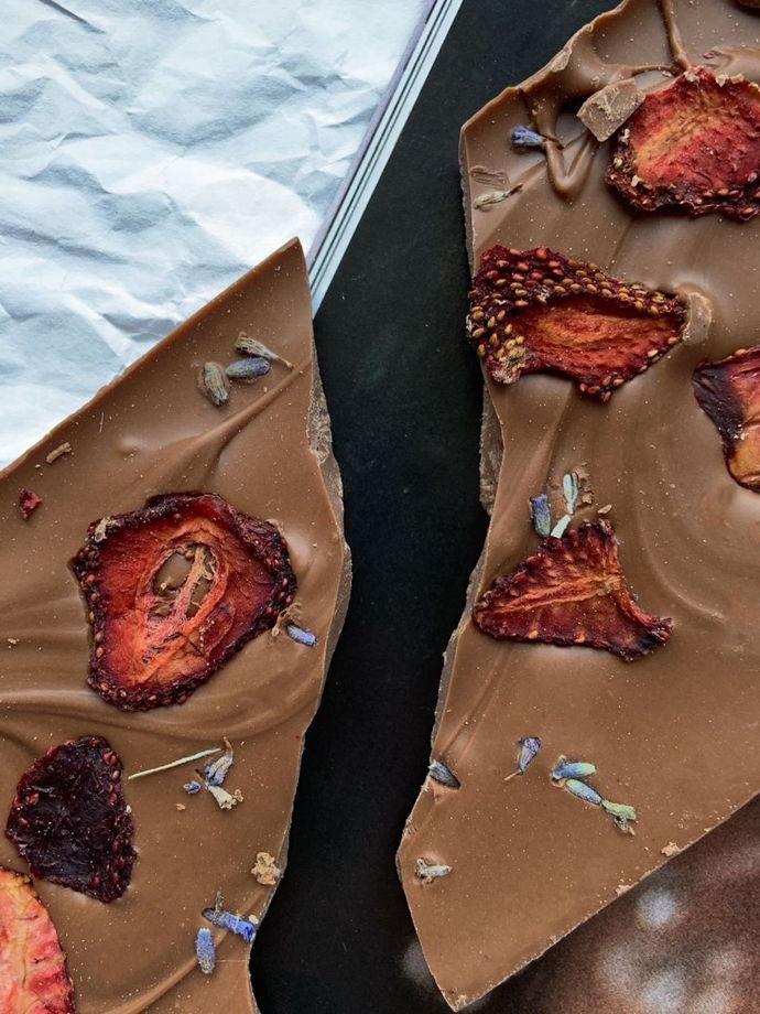 «Плитка» ручной работы без сахара с клубникой и лавандой. Лимитированная серия.